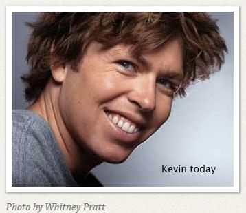 """Kevin Pearce """"title ="""" Kevin Pearce """"width ="""" 188 """"height ="""" 162 """"align ="""" left """"/> magnifiques vues sur les montagnes enneigées. The Crash Reel fournit beaucoup de cela, mais, plus efficacement, il amène les téléspectateurs à la maison, aux têtes et aux coeurs de la famille Pearce alors que nous les regardons se réunir pour fournir le soutien et l'encouragement à Kevin, et les uns les autres, qui les aide à réussir Tout.</p></noscript><p> Ce beau film a tant d'excellentes leçons, de souvenirs et de moments d'inspiration que j'ai fait quelque chose que je n'ai jamais fait auparavant. Lorsque le film s'est terminé, j'ai frappé la fonction """"start over"""" et regardé le film entier une deuxième fois. <strong> C'est sans doute le meilleur film documentaire que j'ai jamais vu. Ever </strong>.</p><p> L'une des «stars» du film est David Pearce, l'un des trois frères de Kevin. David a le syndrome de Down, ou comme il préfère l'appeler, """"Up Syndrome"""". Une brève recherche Google sur David a révélé que je ne suis pas le seul qui a été profondément touché par son honnêteté, sa sagesse et son éloquence dans <img style="""