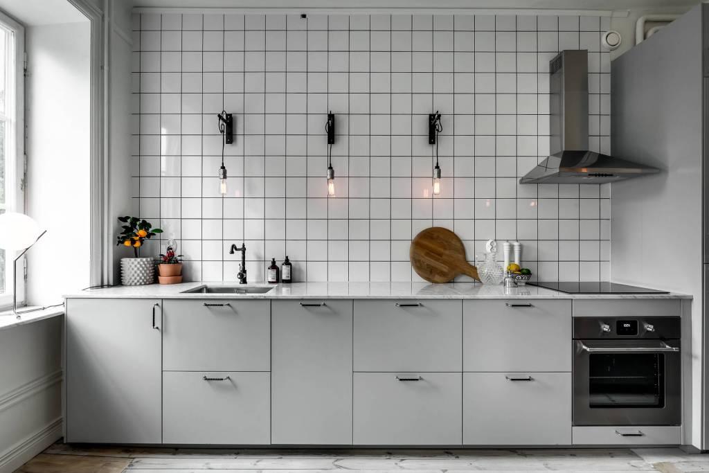 Cuisine minimaliste avec une touche industrielle - via Coco Lapine Design blog