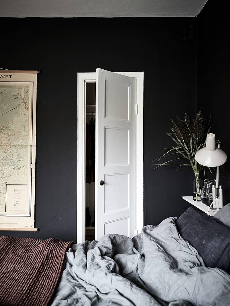 Chambre sombre et pleine de caractère – - Home-staging Déco ...