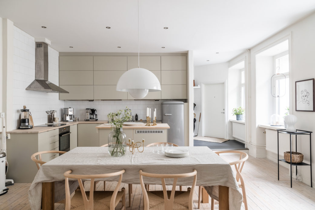 Belle cuisine beige – - Home-staging Déco Design