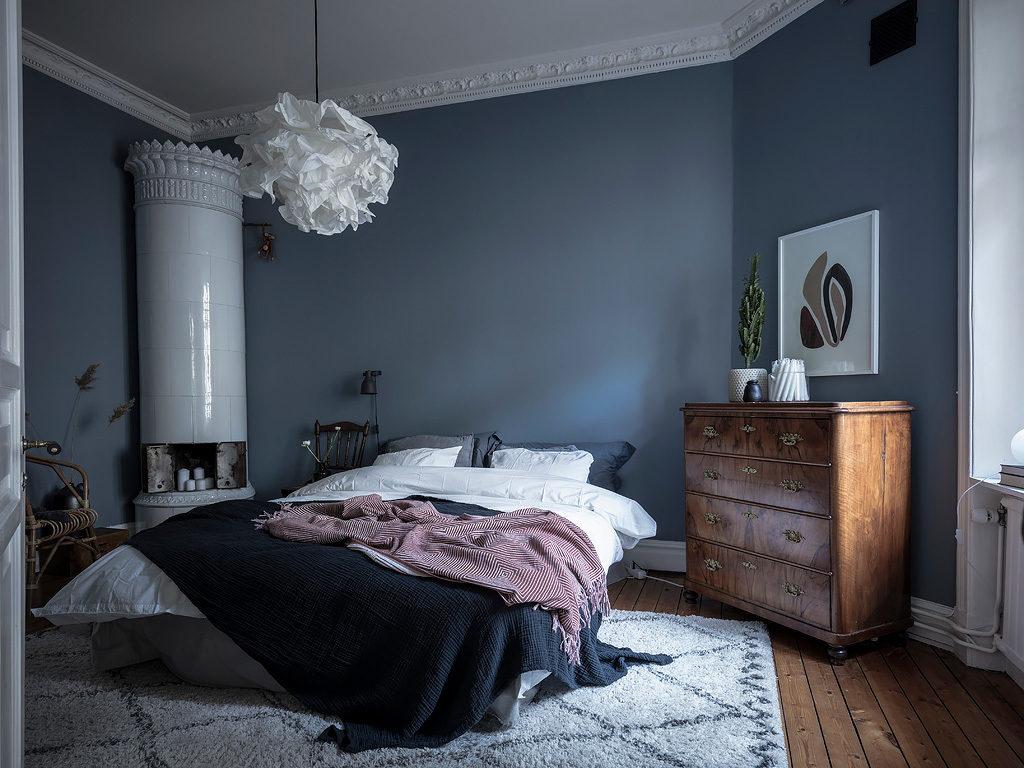 Chambre à coucher en bleu pétrole – - Home-staging Déco Design