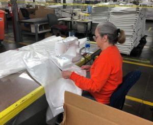 Production de blouses médicales Mohawk Home